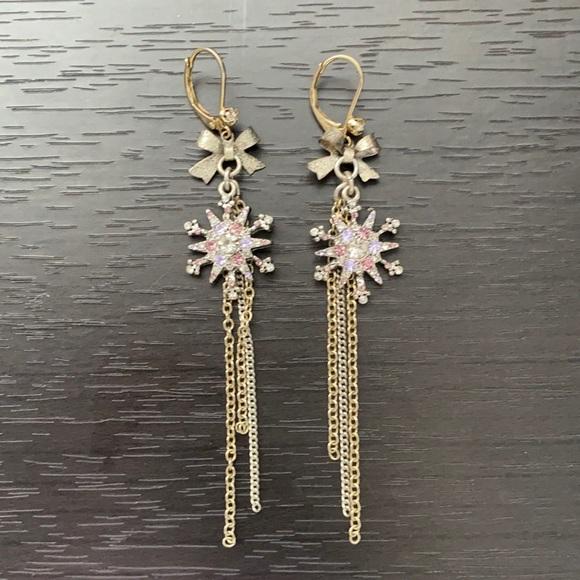 Betsy Johnson snowflake earrings